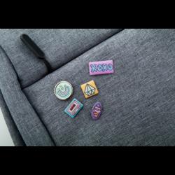 Metalowy pins Mick